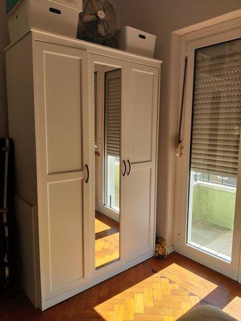 Roupeiro Ikea Songesand branco 3 portas com espelho
