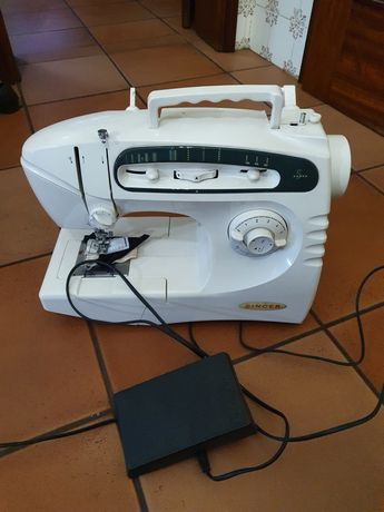 Máquina de costura Singer 5417c