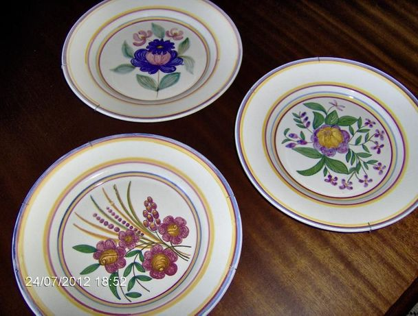 pratos decorativos rústicos antigos
