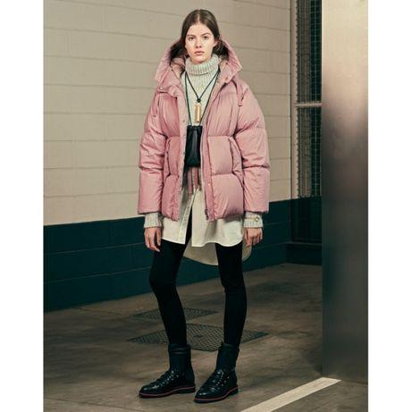 Теплый зимний розовый короткий пуховик Moncler