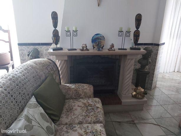Excelente Moradia T3+2, Garagem e Logradouro