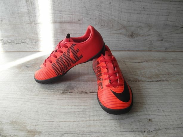 Сороконожки- футзалки найк (Nike) р.28,5 длина стельки 17,5 см.