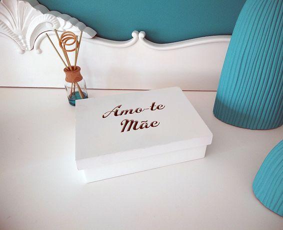 Vendo Caixa de Madeira Amo-te Mãe