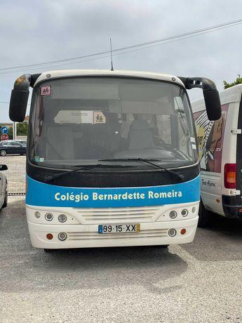 Autocarro em ótimas condições