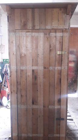 Latryna (ubikacja) Drewniana