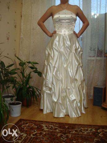 Продам свое красивое свадебное платье и туфли