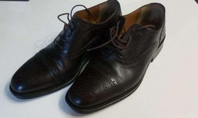 Sapatos em pele da marca haity