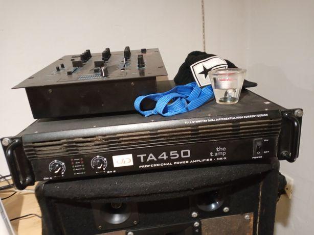 Sprzęt muzyczny.