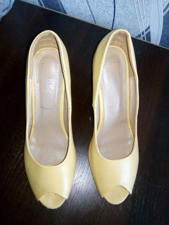 Женские туфли с открытым носком 39р