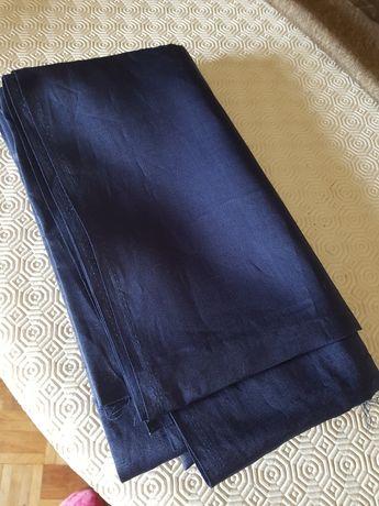 Corte de linho azul