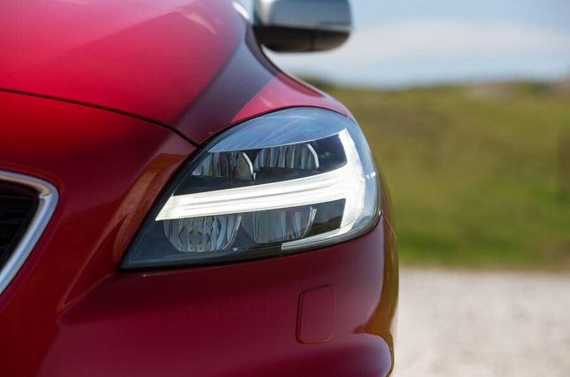 V40 XC90 S90 FULL LED Thor lampy Volvo montaż programowanie retrofit