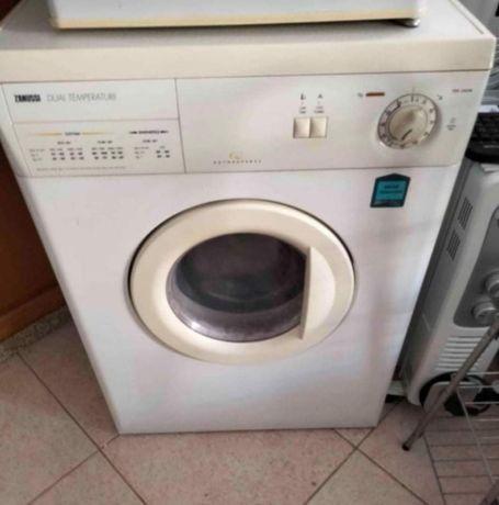 Máquina de secar Zanussi