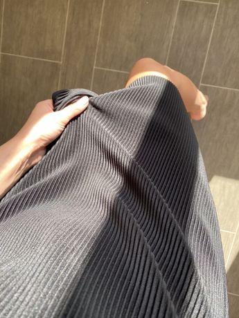 Платье черное в рубчик