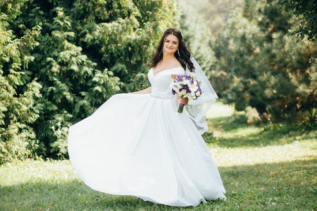 Свадебное платье, атласное