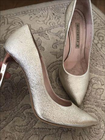 Туфлі у золото