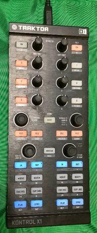 Native Instruments Traktor X1 MK1 (диджейский контроллер)
