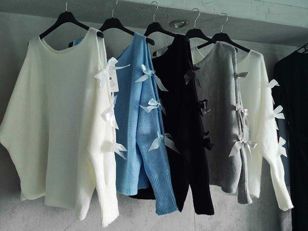 Sweterki z kokardkami rozmiar uni