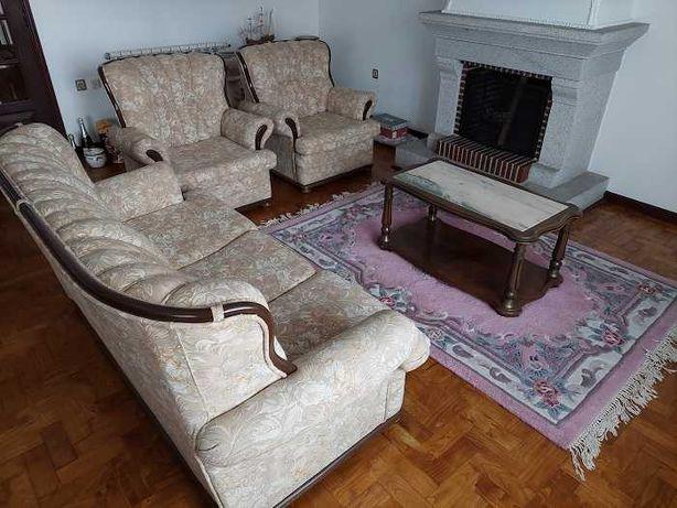 conjunto de sofás + mesa de centro + móvel de tv