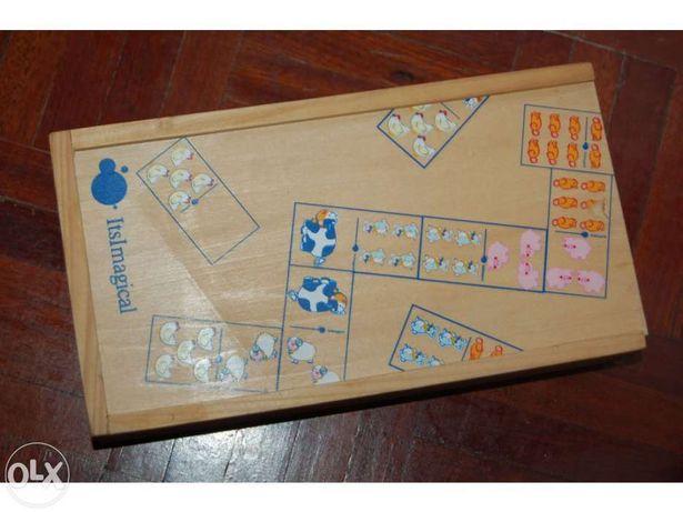 Jogo dominó em madeira marca - its magical