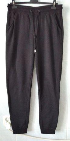 Spodnie dresowe czarne damskie Sinsay
