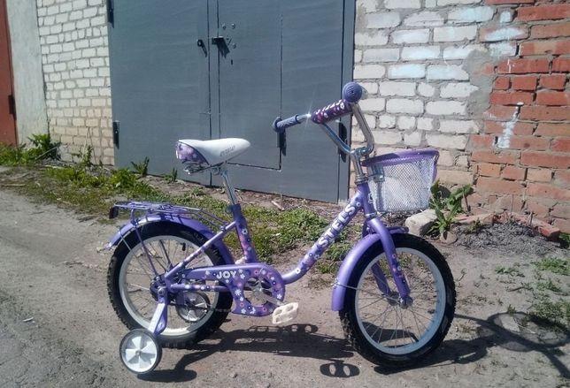 Детский велосипед (страховка колеса)
