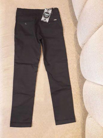 Школьные брюки для мальчика 4-5 класс, 10-11 лет (новые)