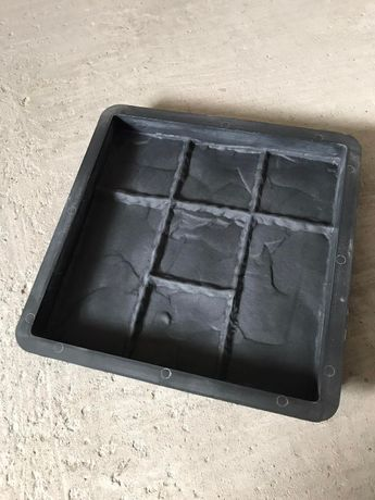 Форми для виготовлення тротуарної плитки