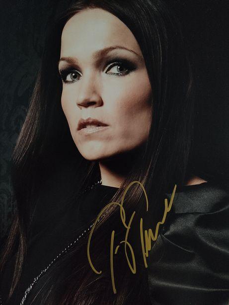 Автограф легендарной Тарьи Турунен (Nightwish).