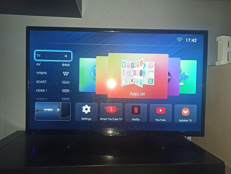 "Telewizor lcd 32"" Akai DVB-T smart Ochaby Małe - image 1"