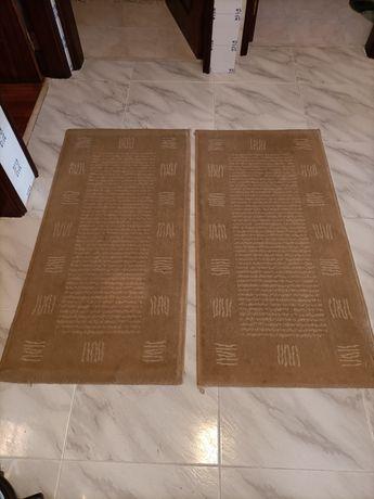 Vendo dois tapetes lindos como novos