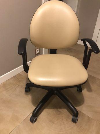 Krzeslo obrotowe dziecięce
