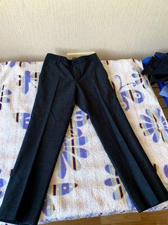 Черные нарядные штанишки из брючной ткани
