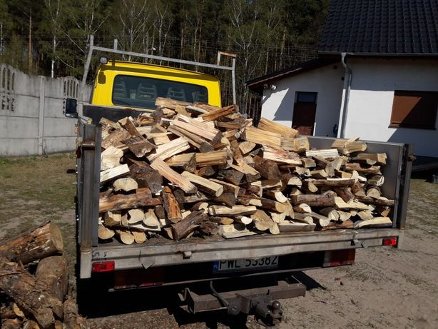 Drewno sosna sucha pocieta połupana