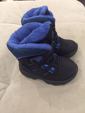 Продам дутики (ботиночки, сапожки) Kamik