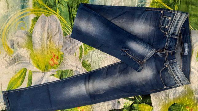 Женские новые джинсы 30 р