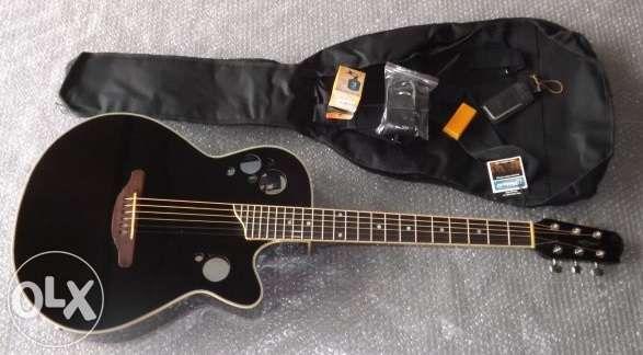 Guitarra eletroacústica de madeira marca Marwell