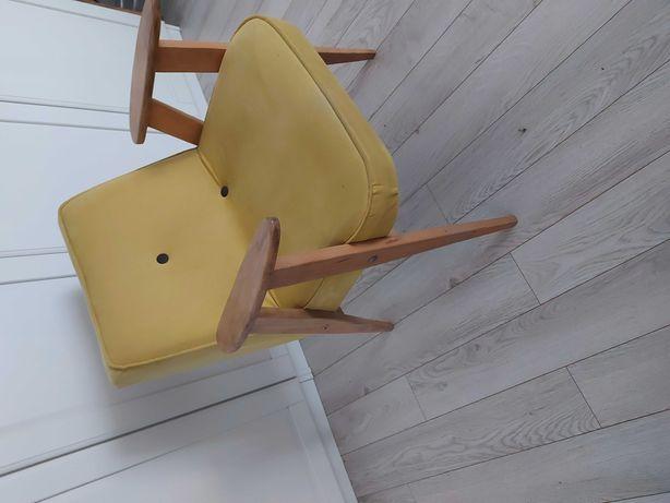Fotel 366 prl po renowacji