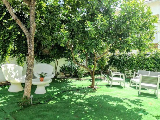 Arrendamento T1 com jardim Estoril, T1 condominium with private garden