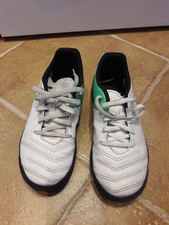 Buty piłkarskie NIKE turfy r. 35.5 , 22.5 cm