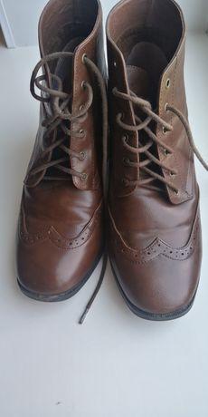 Осенние ботинки на среднем каблуке