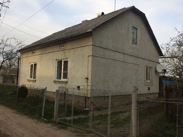 Продам газифiкований цегляний будинок в м.Хирiв Львiвськоi обл.