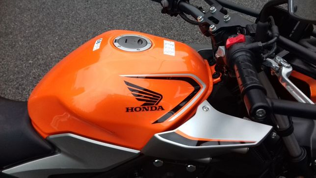 Honda CB500 F z 2019r. najnowszy model z profesionalnymi gmolami