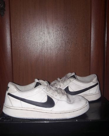 22,5см Nike Кроссовки белые кожаные Найк фирменные кеды оригинал