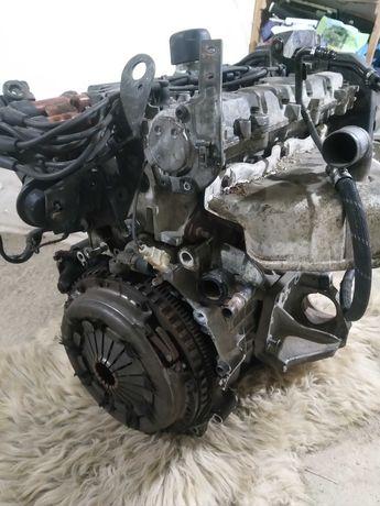 Silnik Volvo-Renault-2,5l-benzyna-165km