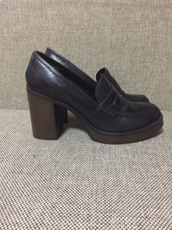 Туфли Bata 40