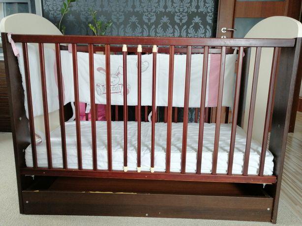 Łóżeczko dla dziecka z szufladą Gratis osłona
