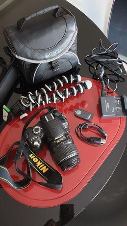 Máquina fotográfica NiKON D60 e acessórios