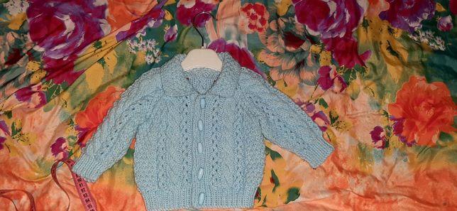 Продам два свитера
