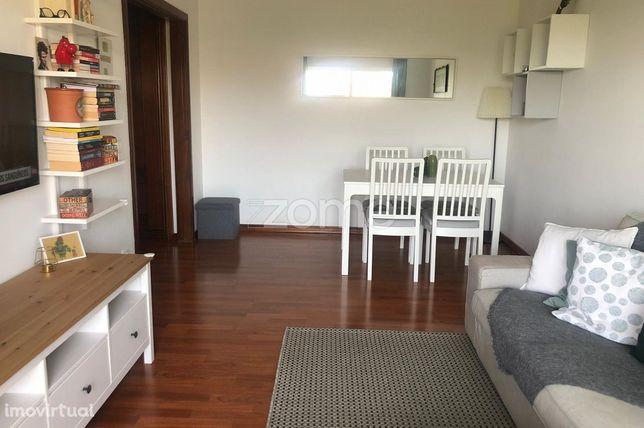 Apartamento T2, pronto a habitar, em São Domingos de Rana