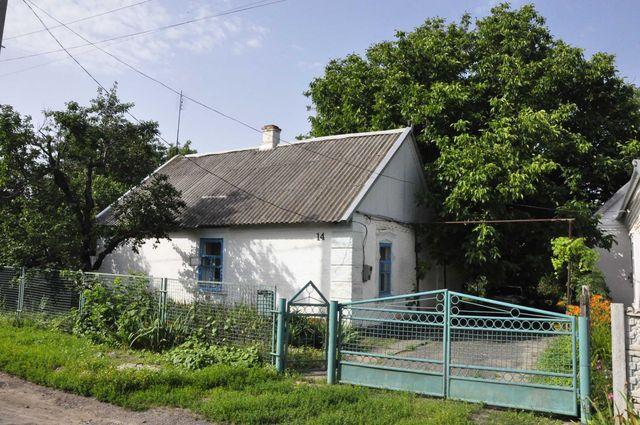 В ,городе Молочанск, Запорожская обл.Продается небольшой дом.